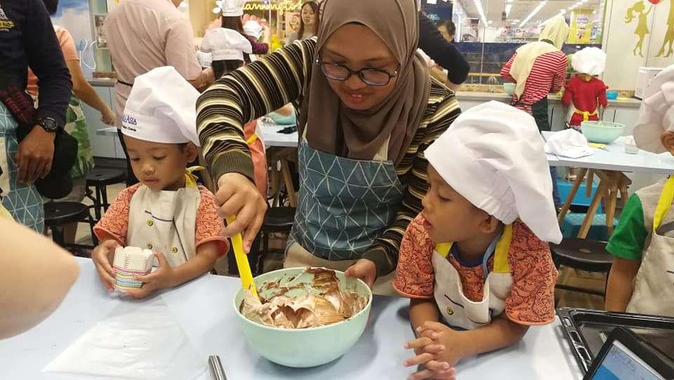 Columbia Asia Cheras Baking Workshop